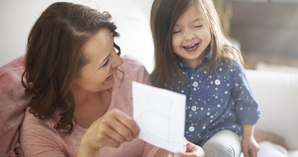 suggestions de jeux et d activit s pour un enfant de 2 ans et demi educatout. Black Bedroom Furniture Sets. Home Design Ideas