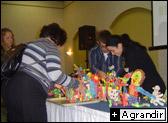 Lors de la pause du dîner un concours de bricolage en nouilles magiques a été organisé, voici quelques chefs d'œuvre.