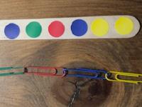 Chaines de couleurs à pincer et à créer-6