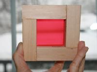 Des cubes de bois multicolores maison-7
