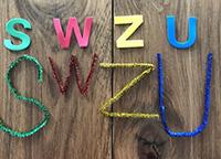 Des manipulations originales pour explorer les lettres et les couleurs-2