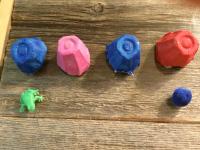 Fabriquer un jeu de mémoire surprise avec des boites d'œufs-2