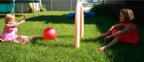 Jeu de soccer avec des nouilles de piscine-4