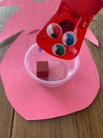 Les monstres mangeurs de bonbons pour travailler divers concepts-4