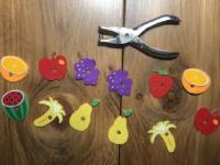 On s'amuse à préparer des salades de fruits-2