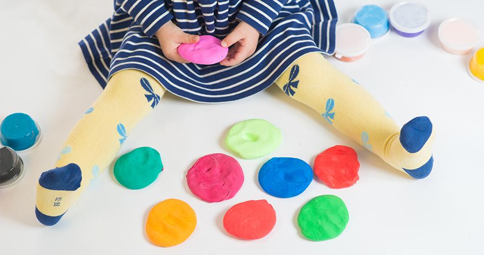 p te modeler maison au jell o activit s pour enfants de 0 36 mois educatout. Black Bedroom Furniture Sets. Home Design Ideas