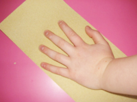 Petits microbes sur les mains-3