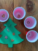 Petits sapins aux decorations empilables-3