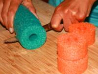 Transformer vos nouilles de piscine en perles-1
