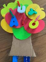 Un pommier pour explorer les lettres-1