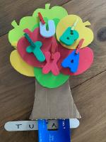 Un pommier pour explorer les lettres-10