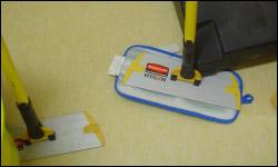 Des balais trapèzes pour le nettoyage des planchers