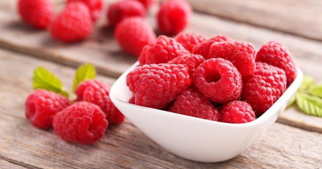 Charlotte loves raspberries, feeding children.  |  Educatall