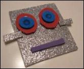 5.Collez-les sur les morceaux de robot brillants et laissez sécher.