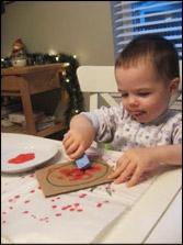 Peinturer avec une éponge est une bonne façon de vous assurer qu'il y aura amplement de peinture sur vos lettres.