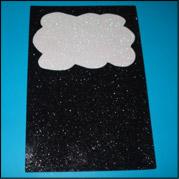 Découpez la forme d'un nuage dans une feuille de Fun Foam.