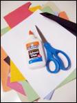 1. Rassemblez votre matériel. Vous aurez besoin de retailles de papier multicolores, de papier blanc, des ciseaux et de la colle.